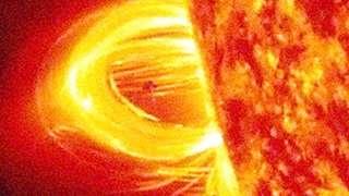 Не фото, а именно видео: NASA показало НЛО возле Солнца, который поразил учёных