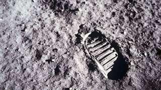 В Москве представят российский спутник для поиска следов американцев на Луне