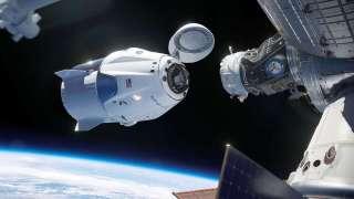 Пилотируемый запуск американского корабля Crew Dragon к МКС отложен