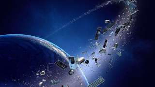 Около 100 тонн космического мусора падает на Землю каждый день