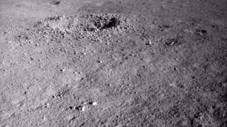 Китайский ровер нашёл на обратной стороне Луны что-то очень странное