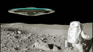 Невероятное фото гигантского космического корабля пришельцев на Луне изучают исследователи