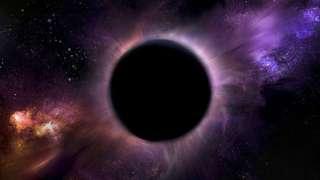 За Сатурном зарождается черная дыра?