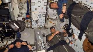 Российский космонавт рассказал, что в невесомости спать лучше