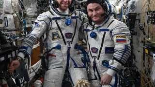 Космонавт Алексей Овчинин рассказал, что подарил на день рождения американскому коллеге на борту МКС