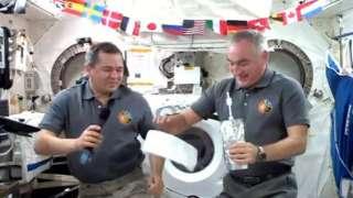 Российские космонавты на МКС в День народного единства работать не будут