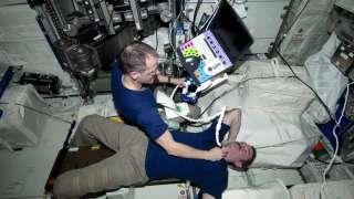 На МКС впервые дистанционно вылечили тромб у астронавта
