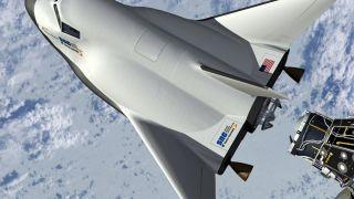 Первый космический корабль Dream Chaser получил имя «Tenacity»