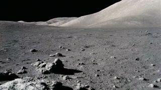 В борьбе с лунной пылью поможет электронный луч