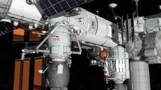 Российские космонавты откроют на МКС люк, который был запечатан 11 лет