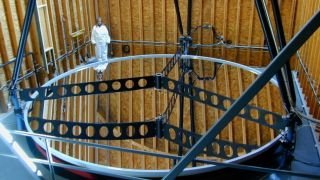 Предельно большой телескоп с жидким зеркалом хотят построить на Луне