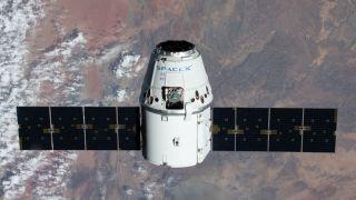 Грузовой корабль Dragon отправится к МКС 5 декабря