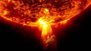 На Солнце произошла сильнейшая за три года вспышка