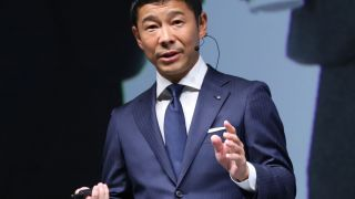 Японский миллиардер ищет попутчиков на Луну