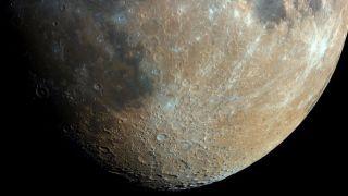 Роскосмос планирует разработать лунный скафандр и пилотируемый луноход